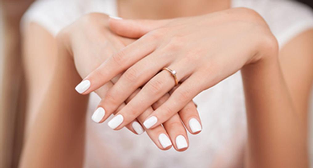 AAURA Nails